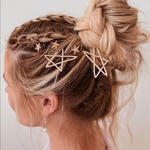 Stone Studded Star Bobby Pin set in gold